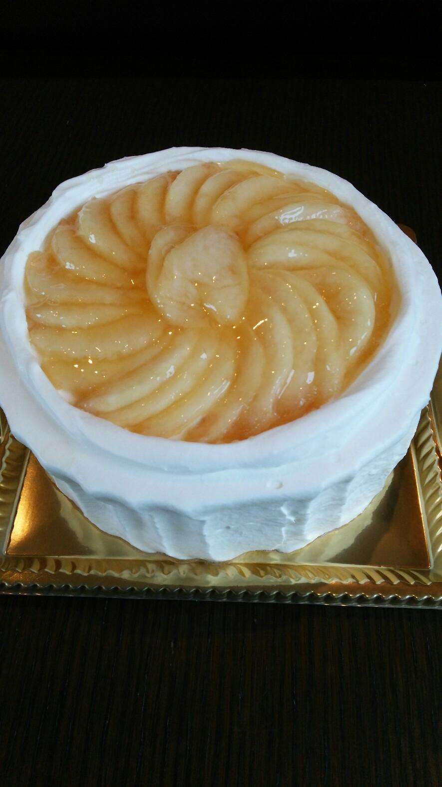 桃のバースデーケーキ